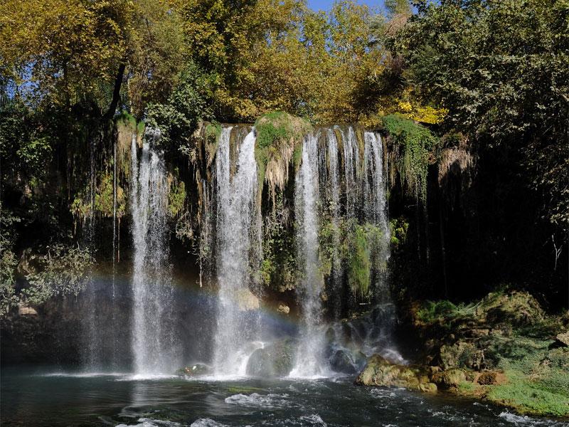 Верхний Дюденский водопад также носит имя Александра Македонского